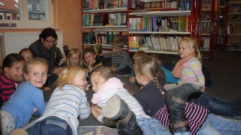 Vorlesen und Erzählen in der Malchower Bibliothek