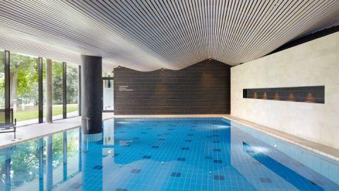 Schwimmbecken - SPA Hotel Amsee